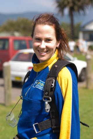 Linda_after_parachute_jump